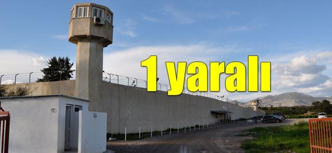 Cezaevi'nde iki mahkum birbirine girdi