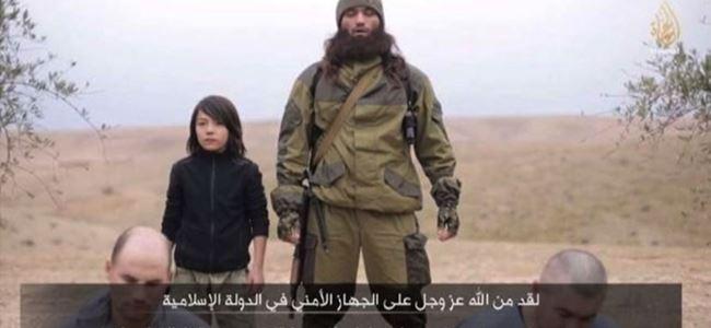 IŞİD çocuk savaşçıya infaz yaptırdı