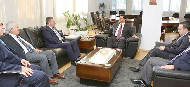 Dışişleri Bakanı Nami, akademisyenleri kabul etti