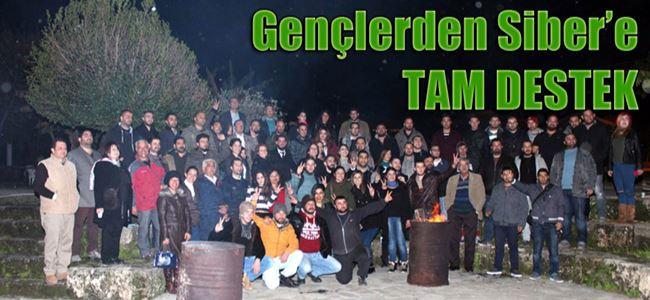 CTP Gençlik Örgütü Girne'de 'barış ateşi' yaktı