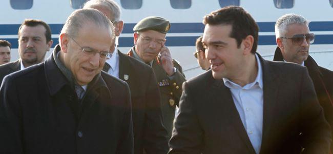 Tsipras Kıbrısta
