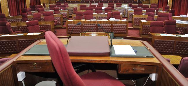 Mecliste gündem ekonomi ve Kıbrıs