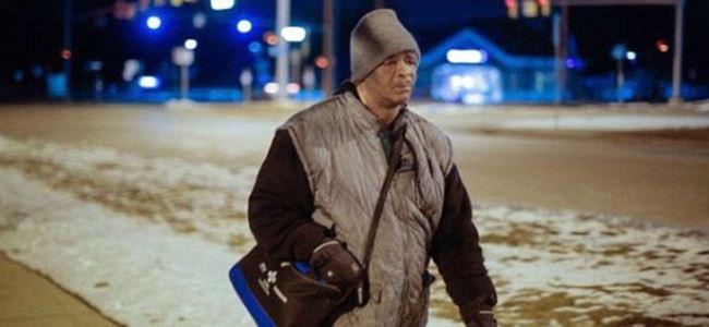 Her gün 33 kilometre yürüyen işçiye 200 bin Dolar bağış
