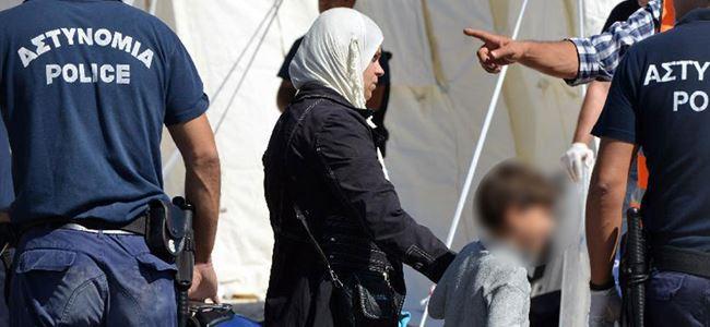 Suriyeli mülteciler sokakta kaldı