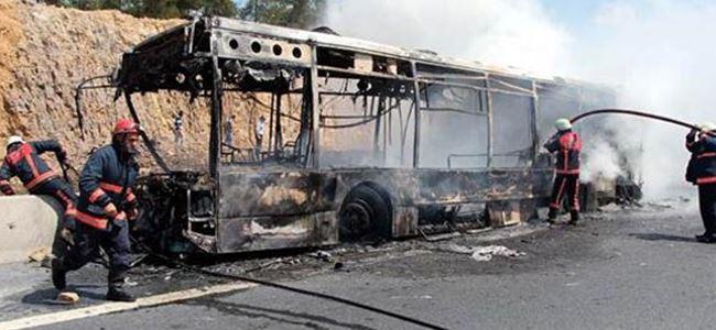 Bangladeşte otobüs yandı:9 ÖLÜ
