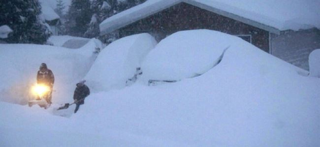 Kar nedeniyle köy boşaltıldı