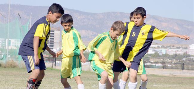 Küçüklerin hedefi yarı final