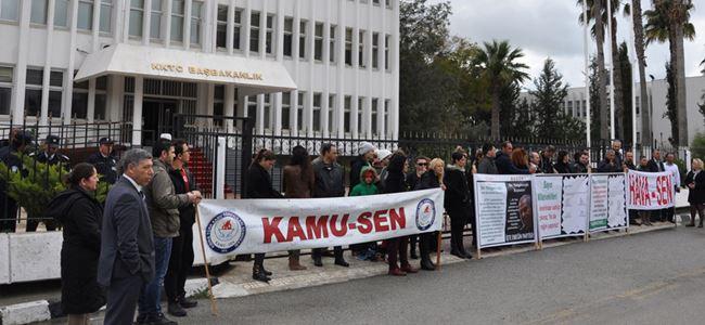 Kamu-Sen ile Hava-Senden Başbakanlık önünde pankartlı eylem