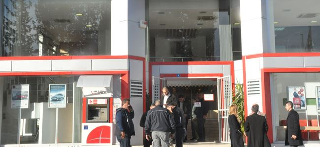 Banka soygunuyla ilgili iki zanlı tutuklandı