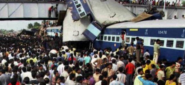 Hindistanda tren kazası:11 ÖLÜ