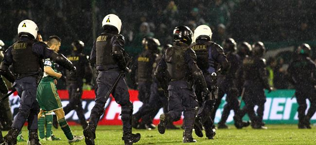 Yunanistan'da futbol durdu
