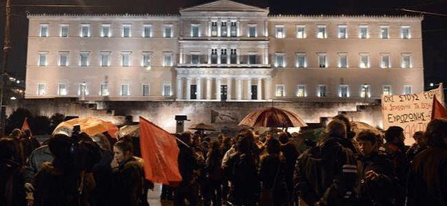 Yunanistanın kreditörlerle anlaşması protesto edildi