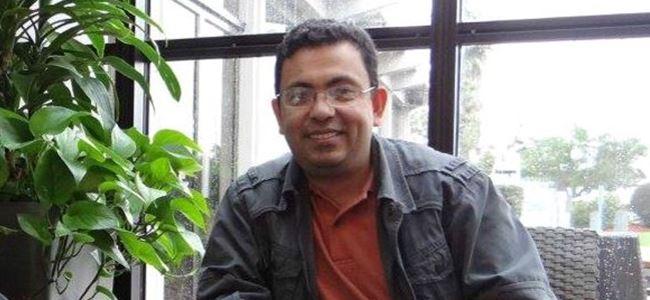 Ateist yazar paramparça edildi