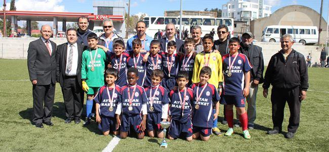 Şampiyonluk Gönyeli İlkokulu'nun