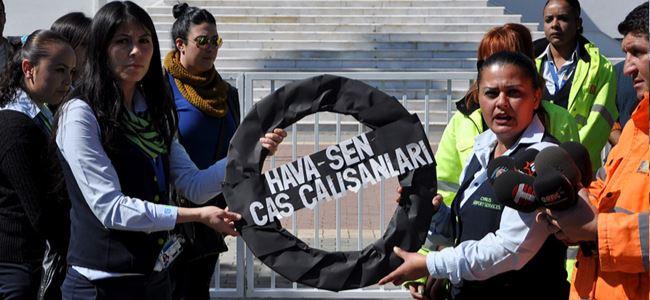 CAS meclise siyah çelenk bıraktı