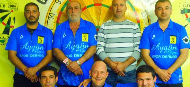 Takımsal darts etkinliği sürüyor
