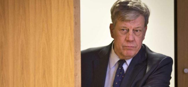 Yanıltıcı bilgi veren bakan ve müsteşar istifa etti