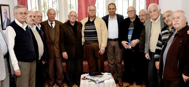 Özersay, Girne'de emeklilerle bir araya geldi