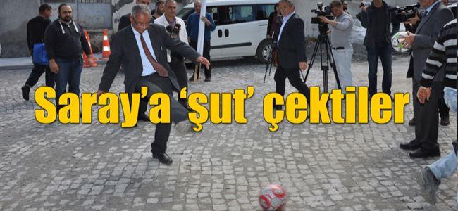 KTÖS, Eroğlu ve Denktaşı protesto etti