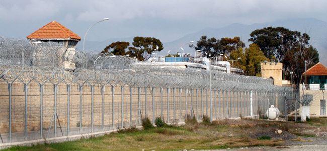 Eski Belediye Başkanına Hapiste Darp