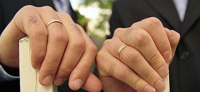 Kiliseden eşcinsel evliliğe onay