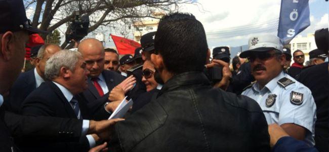 Polis müdahale etti, Başbakan ENGELLEDİ