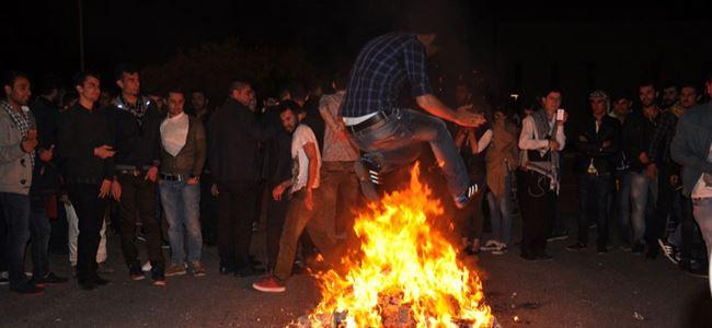 DAÜ'lü öğrenciler Newroz'u kutladı…