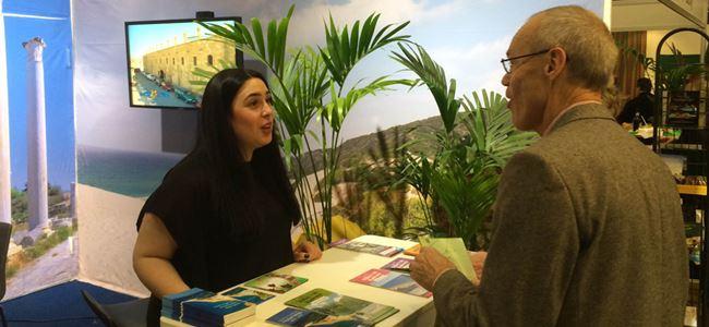 """Kuzey Kıbrıs """"TUR 2015 Turizm Fuarı""""nda tanıtıldı"""
