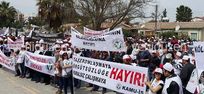 Sendikalar Başbakanlık önünde eylem yaptı