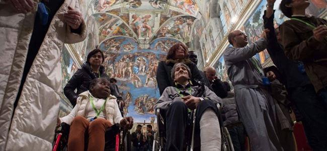 Vatikan Müzelerini evsizlere açtı