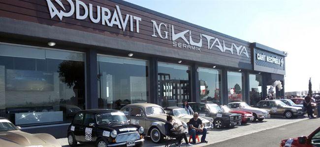 Kıbrıs'ın en büyük seramik showroom'u açıldı