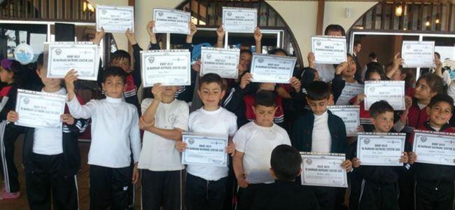 Karşıyaka İlkokulu ödülleri verdi