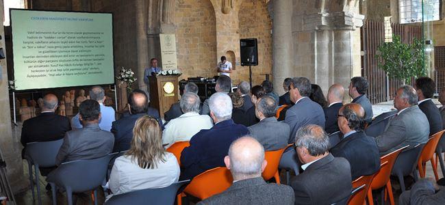 """""""Vakıf Kültür ve Medeniyetinin Kıbrıs Yansımaları"""" paneli  yapıldı"""