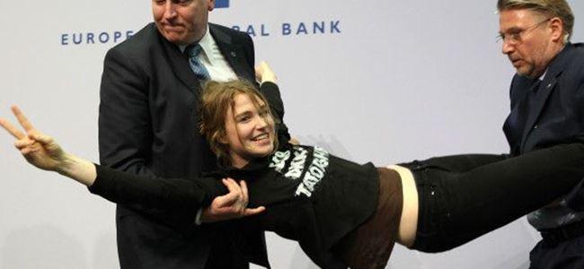 Avrupa Merkez Bankası Başkanına ilginç protesto
