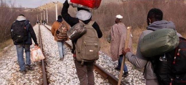 Mültecilere tren çarptı; 14 ölü