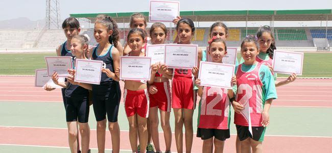 Mağusa okulları yarıştı