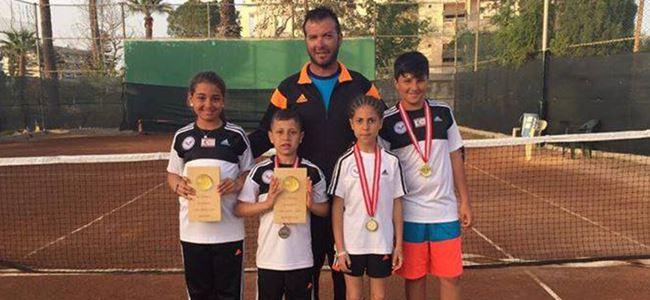 Mağusalı tenisçilerden başarı