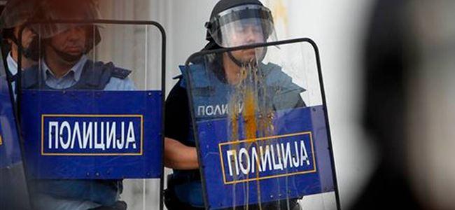 Başbakanlık binasına Yumurtalı protesto