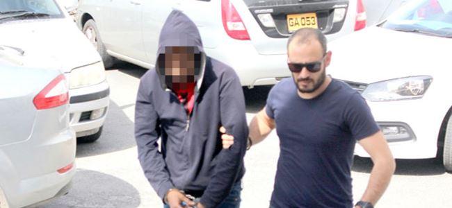 1 gr uyuşturucu ile yakalandı…