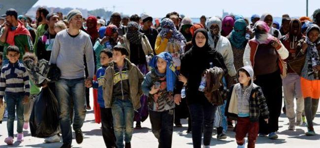 Hollanda mülteciler için yürüdü