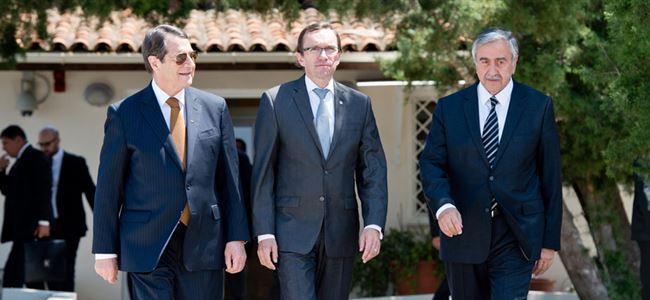 """Osadchiy: """"Çözüm Kıbrıslılardan gelmeli"""""""
