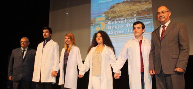DAÜ'de 'Beyaz Önlük Giyme' töreni yapıldı