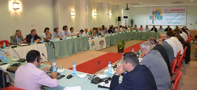 Dev-İş Larnaka'daki Retun-See 3.Kongresi 'ne katıldı