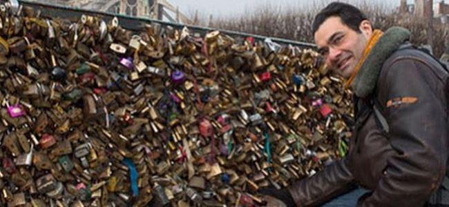 Aşk kilitlerinin sahiplerini arıyor