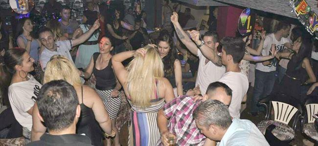 Bomond Bar 1.yılını kutladı