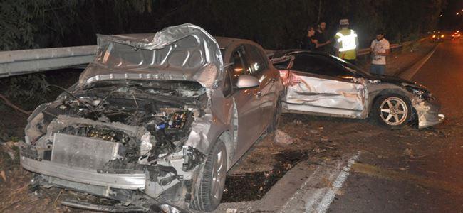 Arkadan çarptı, 3 kişi yaralandı