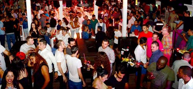 Ice Club'ta; Bang La Decks'le eğlence zamanı