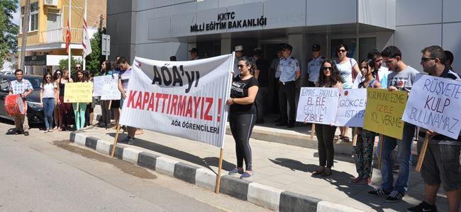 KTÖS ile AÖA öğrencileri eylem yaptı