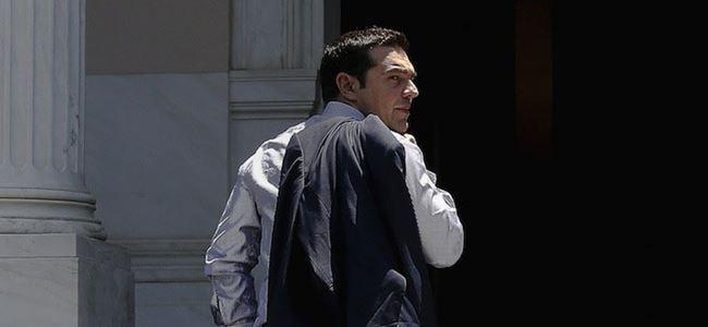 Yunanistan direniyor
