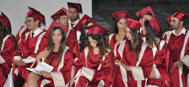 AÖA'dan 40 öğrenci mezun